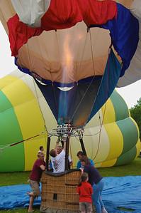Filling a hot air balloon