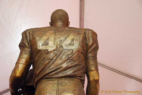 Statue tribute to Ernie Davis was unveiled on the Syracuse University campus on Saturday, September 13, 2008.