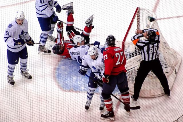 Tonight's NHL Referees & Linesmen – 11/30/14