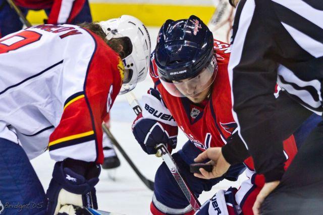 Tonight's NHL Officials – 10/22/14