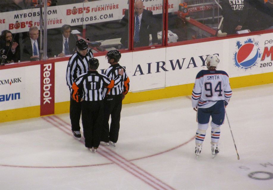 Tonight's NHL Referees – 4/1/14