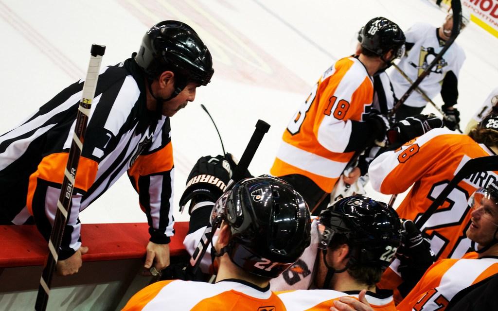 Tonight's NHL Officials – 10/29/14