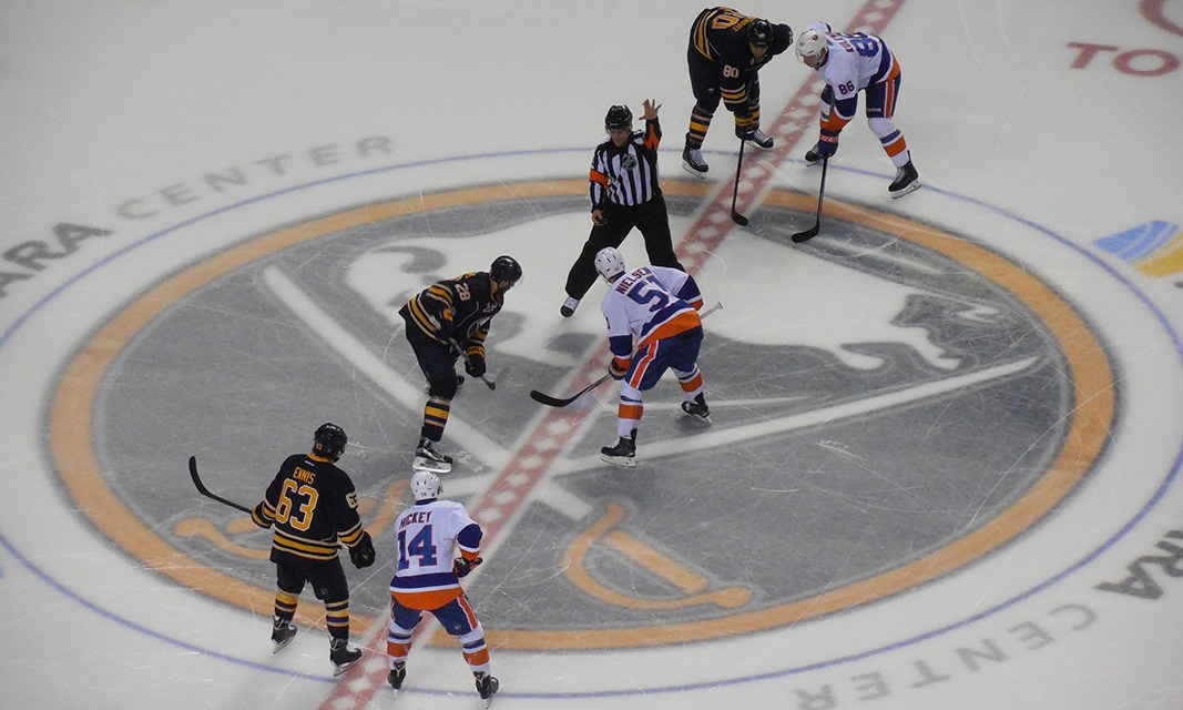 Tonight's NHL Referees & Linesmen – 2/10/15