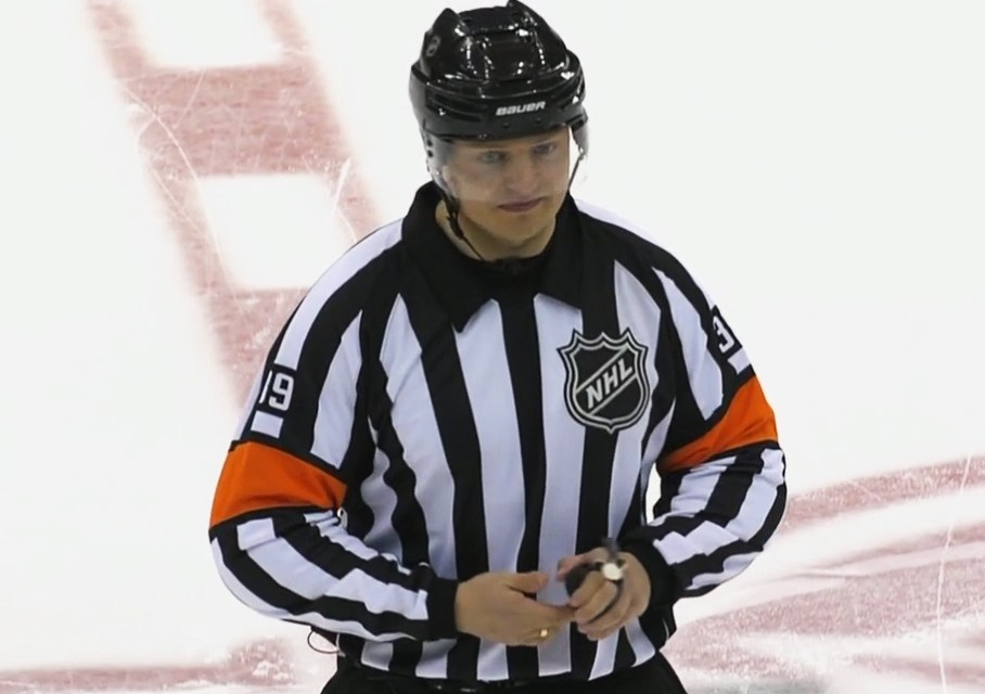 Tonight's NHL Referees & Linesmen – 10/14/15