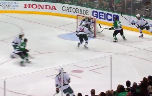 Stars' Roussel Kicks Puck Over Net, Scores Goal