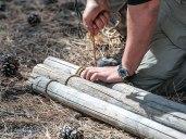 Keterampilan merintis sangat membantu saat membangun tempat berlindung.