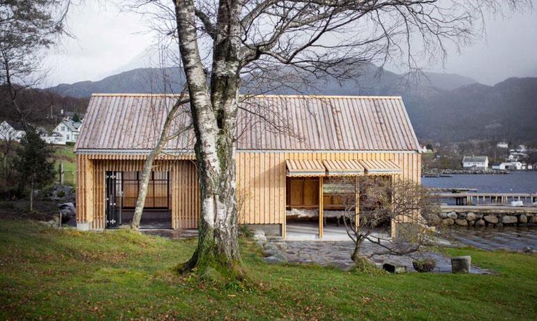 Koreo-Kolab-Arkitekter-restored-boathouse-Naust-V-4-1020x610