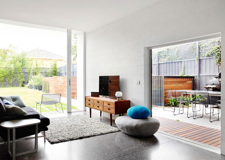 that-house-austin-maynard-architects-melbourne-australia_dezeen_1568_8