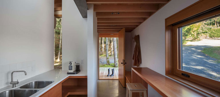rainforest-retreat-residential-architecture-wood-agathom-co-vancouver-island-british-columbia-canada-architizer-a-awards-2016_dezeen_1704_col_10