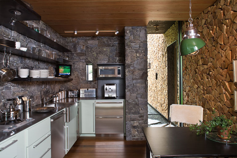stone-creek-camp-anderson-wise-architects-residential-montana-usa-architecture_dezeen_2364_col_12