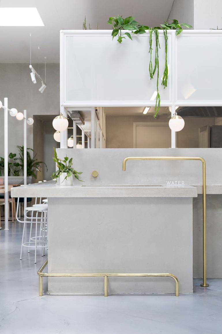 no-19-biasol-interiors-design-restaurant-australia_dezeen_2364_col_1