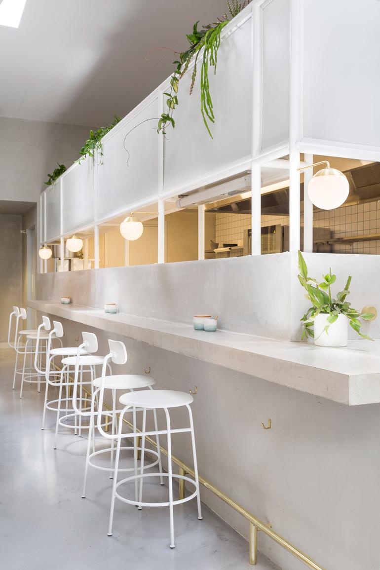 no-19-biasol-interiors-design-restaurant-australia_dezeen_2364_col_17