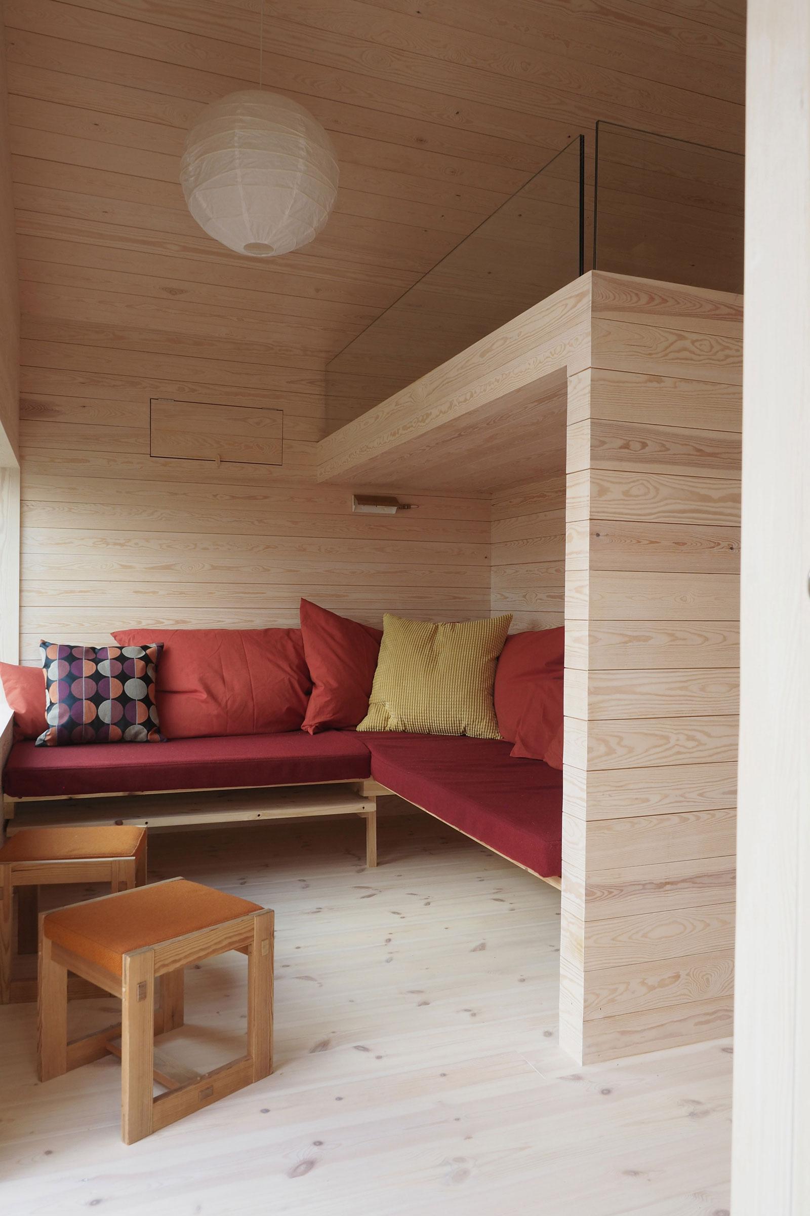 cabin-jon-danielsen-aarhus-architecture-residential-norway_dezeen_2364_col_19