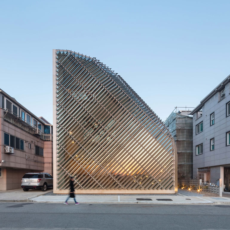 louverwall-and-house-architecture-korea_dezeen_sq