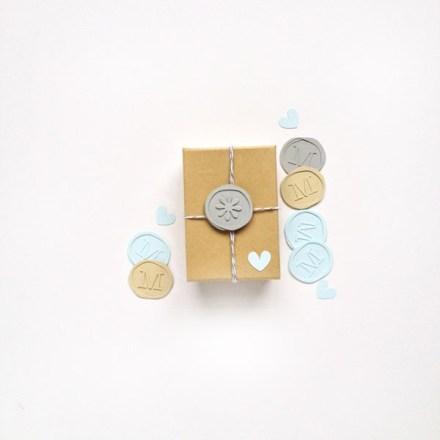 Tutorial - DIY Faux Wax Seals by Maritza