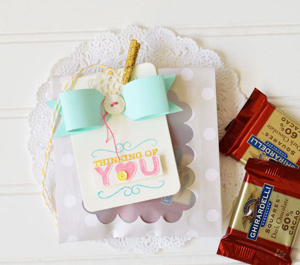 Tutorial - gusseted treat pocket by choux choux paper art