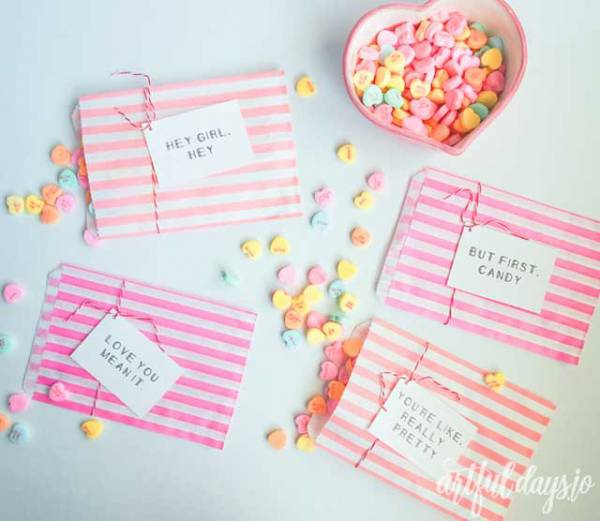 23 Fun Last Minute Freebies and DIY Ideas for Valentine's Day