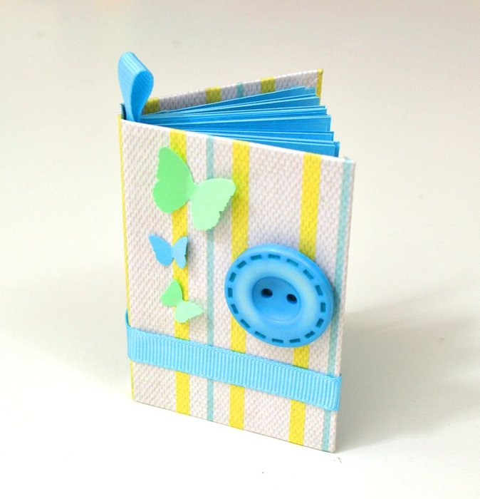Make Your Own Mini Notebooks With Recycled Paper & Card Stock
