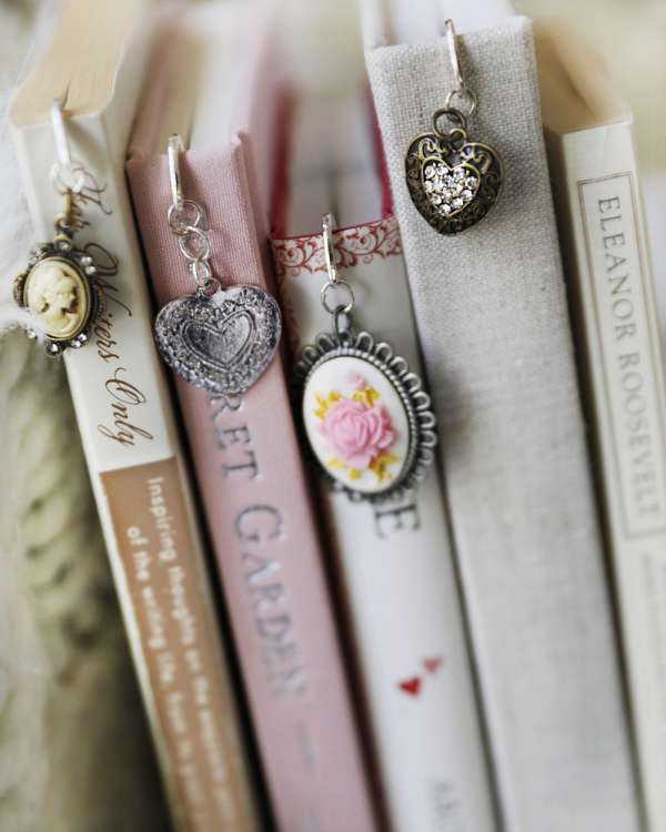 5 DIY Bookmarks