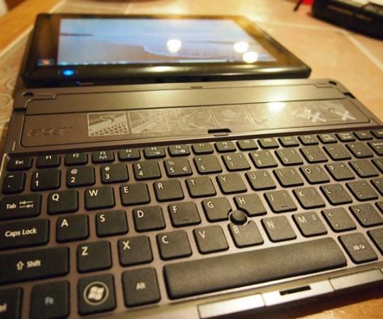 acer iconia w500 AMD tablet portability