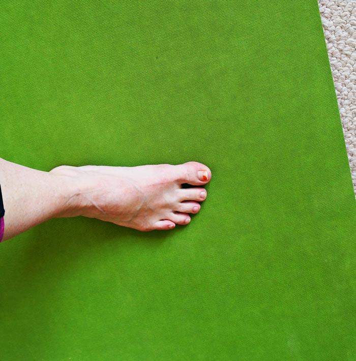 Feet don't slide on premium mat