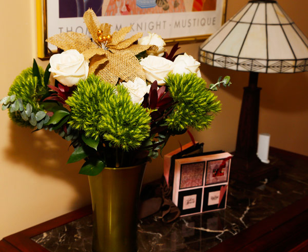 Live holiday flowers from ProFlowers.