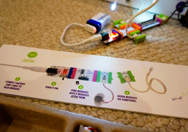 Little Bits from Radio Shack is an elecronic learning smart toy. Teach your kids how electronics work by having them build with Little Bits and things you have around the house. #GiftSmart