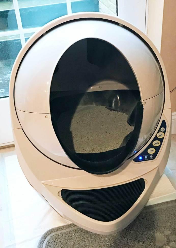 Win a Litter-Robot Open Air automatic kitty litter box. #freelitterrobot #literrobot
