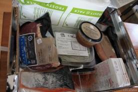 Vleis, vis, hoender, pasta, kruie in koelboks