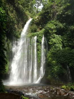 Lombok waterffall 1
