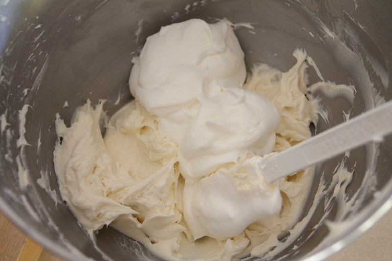 how to make whipped cream fluffy
