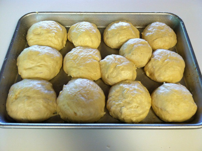 Cut off chunks and rolls together... add them to a greased cookie sheet. Let rest for another 5 minutes once complete.