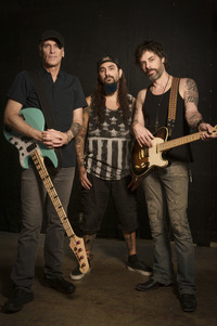 The Winery Dogs 2