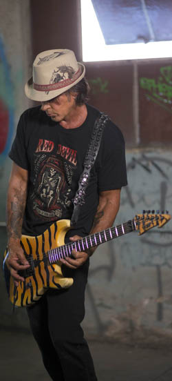 George Lynch. Photo By Alex Solca