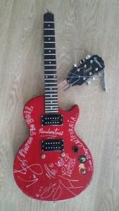 Pierce The Veil broken guitar 2016