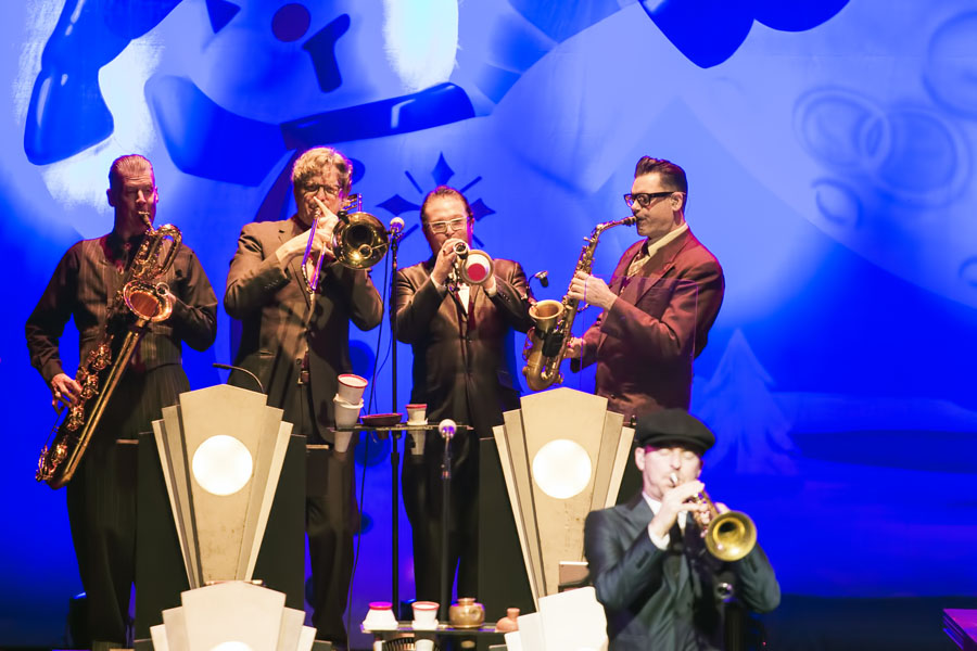 Big Bad Voodoo Daddy Swings In The New Year In Thousand Oaks