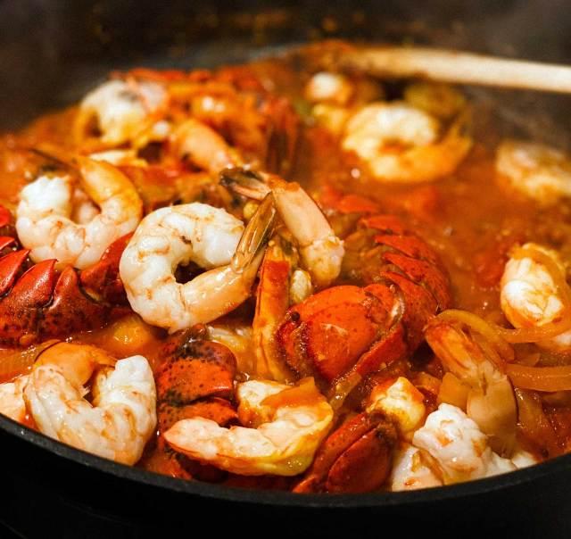 Spicy Tomato Coriander Prawns