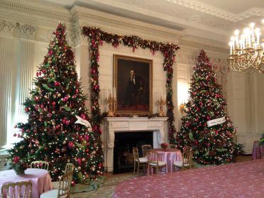 inspiring-decorating-a-house-for-christmas-ideas-e2-80-93-mvbjournal-com-20-photos-of-the_christmas-home-decorating-ideas_home-decor_home-depot-christmas-decorations-decorators-bohemian