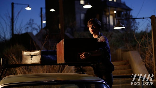16 New Images From A&E's Psycho Prequel Series 'Bates Motel' Hit The Web! 21