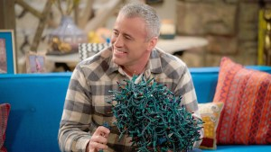 CBS Renews 16 Shows For 2017-18 Including 'Man With A Plan', 'Kevin Can Wait', 'Hawaii Five-0', 'Superior Donuts', 'Mom', 'MacGyver' & More! 1