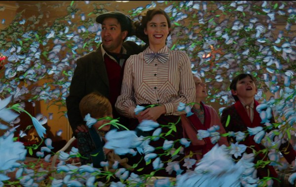A New Trailer & Poster For Disney's 'Mary Poppins Returns' Fly In 12