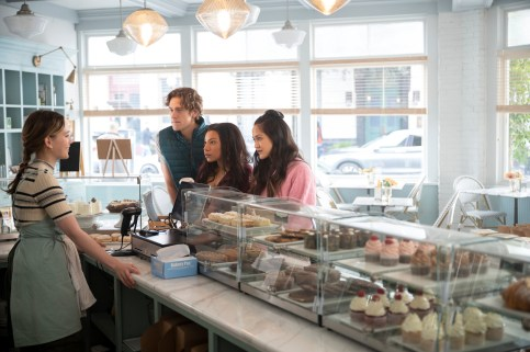 YOU (L to R) VICTORIA PEDRETTI as LOVE QUINN, CHRIS O'SHEA as ANDREW, SHALITA GRANT as SHERRY CONRAD, and SHANNON CHAN-KENT as KIKI in episode 303 of YOU Cr. JOHN P. FLEENOR/NETFLIX © 2021