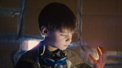 Alton, an eight year old boy with special powers, played by Jaeden Lieberher