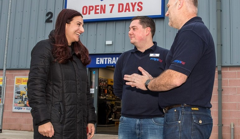 Luciana Berger MP from Liverpool Wavertree visits Screwfix store