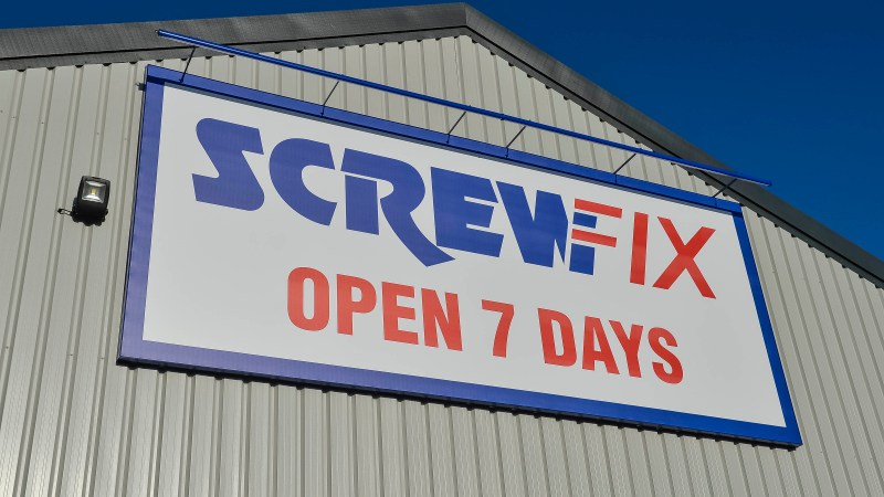 Screwfix opens its doors in Doncaster-Sprotbrough Road