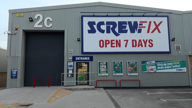 Perry Barr celebrates new Screwfix store opening