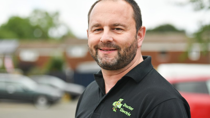 Electrician from Northampton reaches final of Screwfix Top Tradesperson 2021