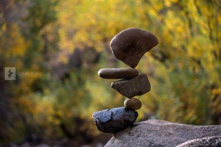 rock-balancing-img-2l8-700x467