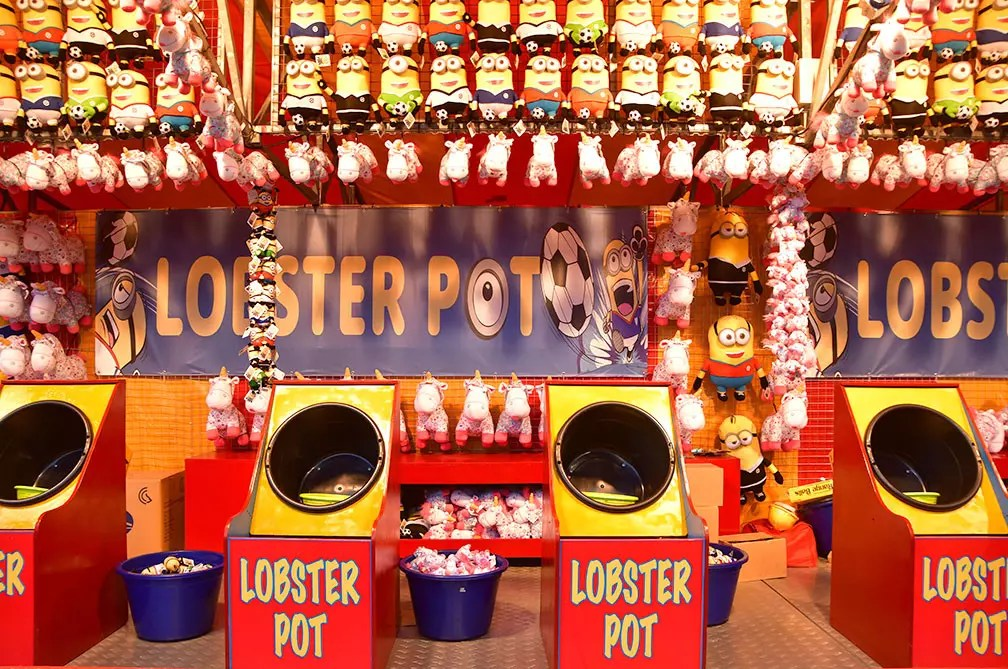 Minions Lobster Pot carnival game.