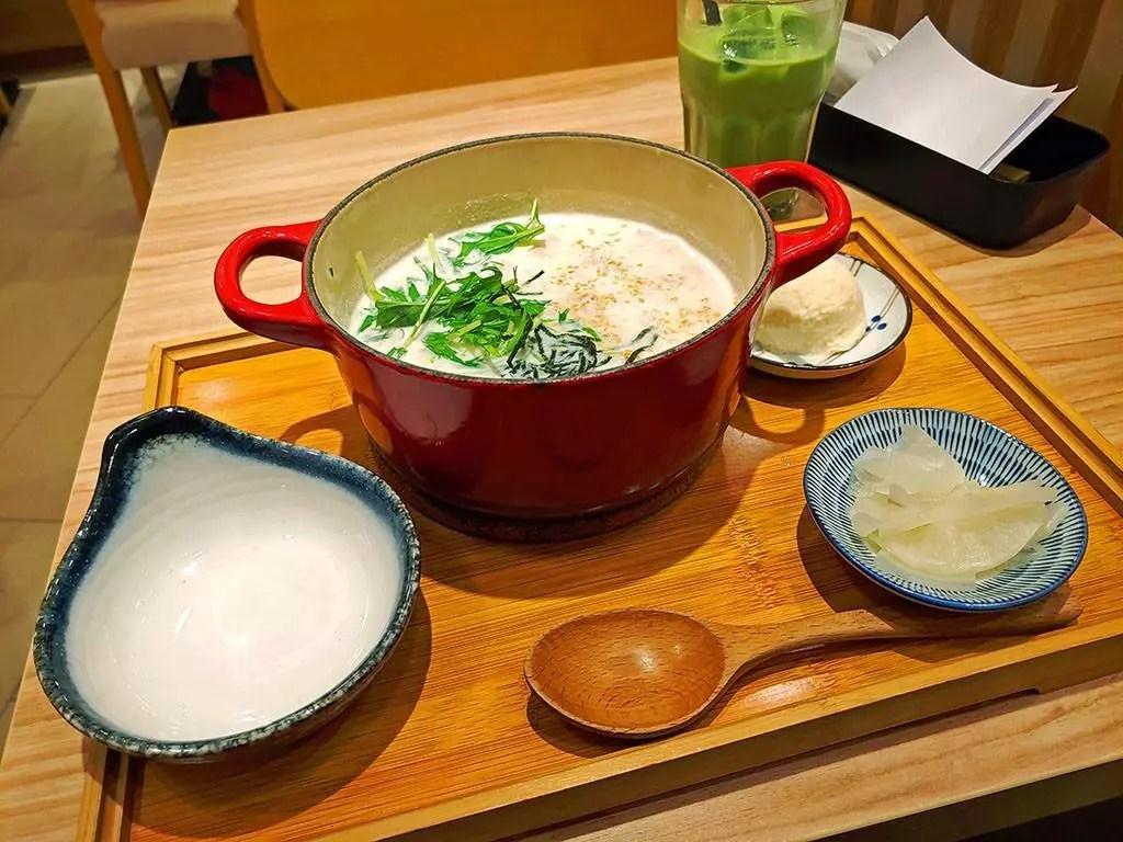 Aburi Chicken Soya Milk Cha-Nabe at Kagurazaka Saryo Vivocity.